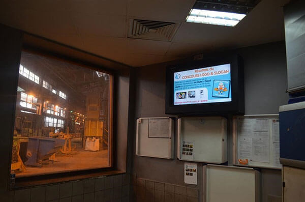 Digital Signage for Manufacturing Processes