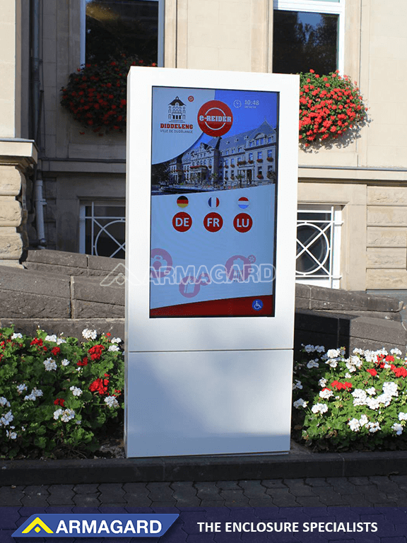 outdoor digital display anti-reflective