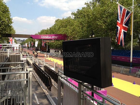 Outdoor digital signage along The Mall at the London 2012 Olympics